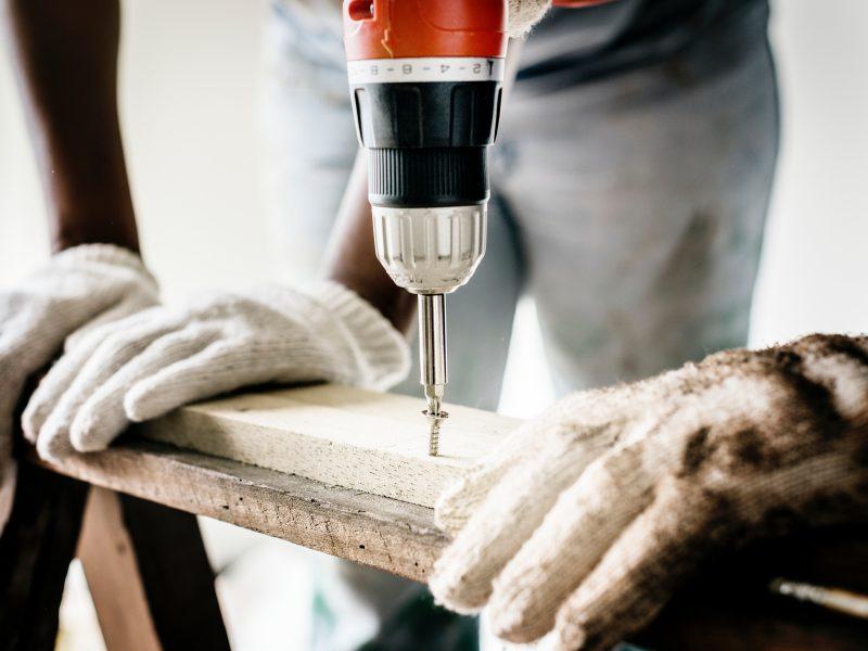 builder-carpenter-close-up-1251176(1)